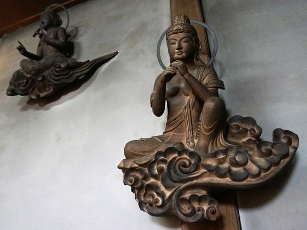 無量寿寺の雲中供養菩薩