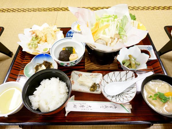 身延山の湯葉と精進料理