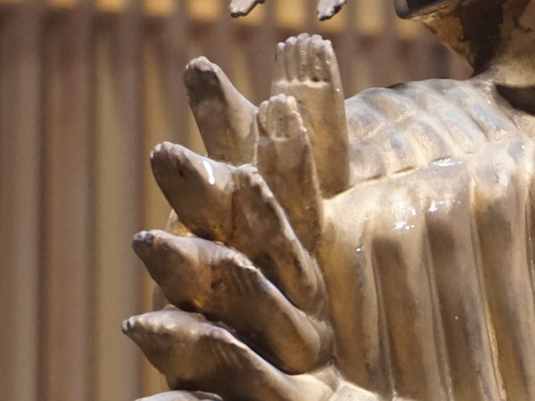 千手千足観音立像の足